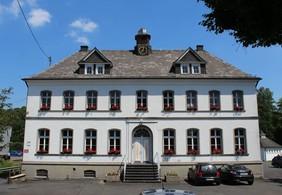 Das Bürgerhaus Seelbach soll saniert und attraktiver gestaltet werden. Das Gebäude ist eines der wenigen historisch erhaltenen Gebäude in der alten Seelbacher Dorfmitte. (Foto: Stadt Siegen)